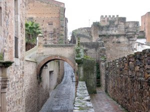 Muralla y adarves de Cáceres - que visitar