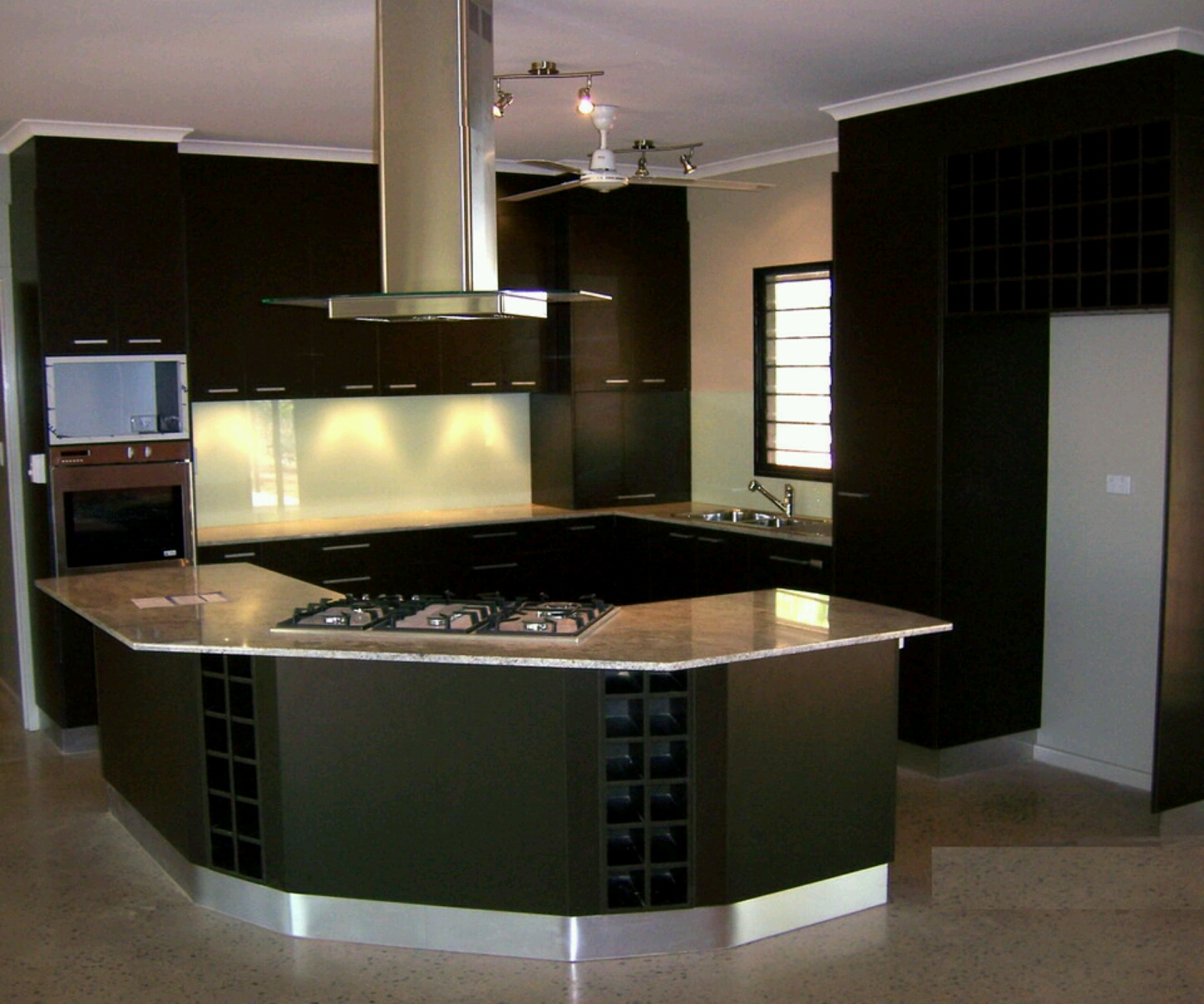 New home designs latest modern kitchen cabinets designs for Latest home kitchen designs