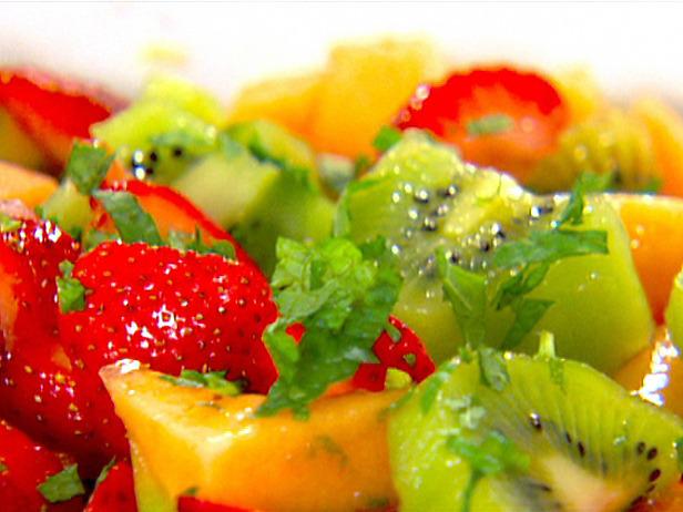 Fruit salad recipes salad 1 3 cantaloupe cut into 3 4 inch chunks