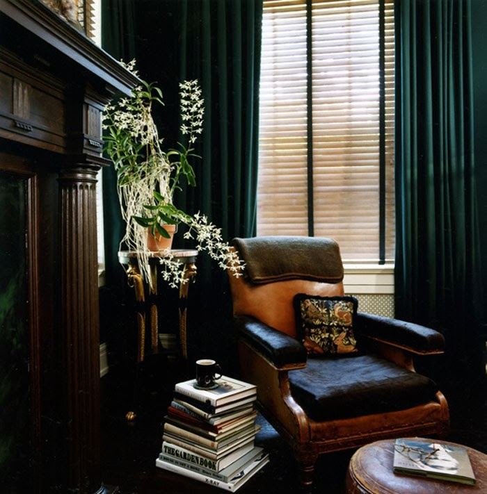 Decor eat a room to build men 39 s study for Dark green living room