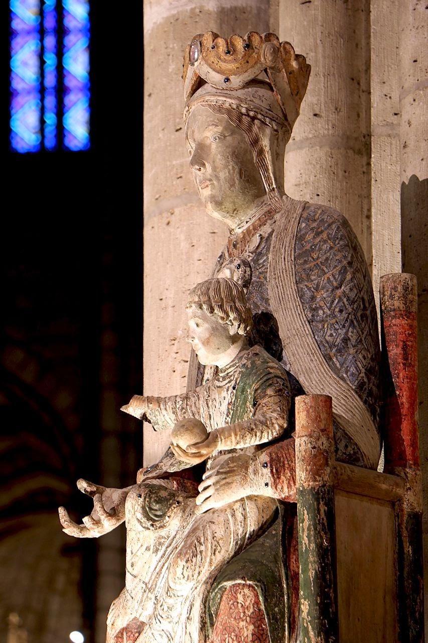 Nossa Senhora de Cluny Abadia Saint Denis, Paris