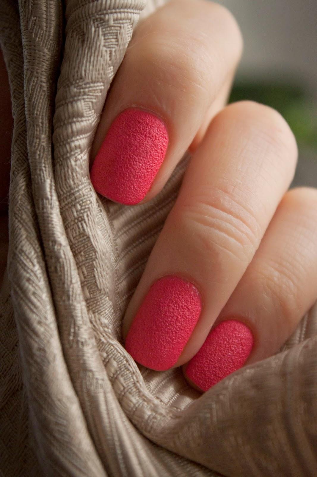Ногти с сахарным лаком