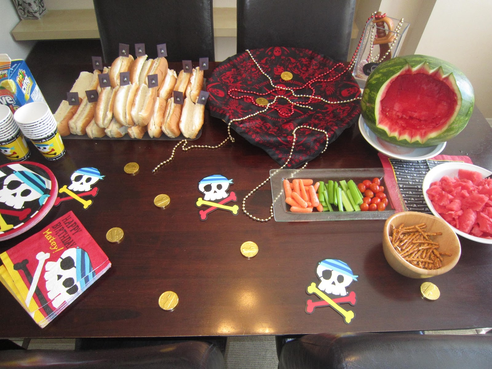 pirate ship hot doge, watermelon shark