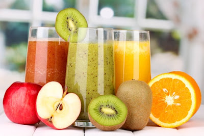 Detoxify yourself with juices and broths