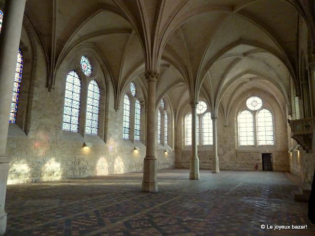 Abbaye de Royaumont - réfectoire