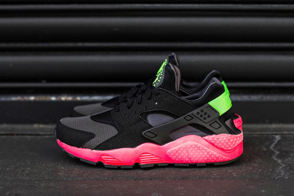 "Nike Air Huarache ""Hyper Punch"""
