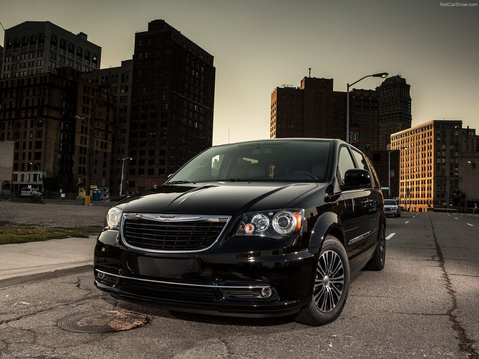 Hình ảnh xe ô tô Chrysler Town and Country S 2013 & nội ngoại thất