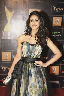 Ileana hot photo shoot from Renault Star Guild Awards 2013 red carpet