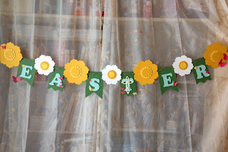 EasteMidnightCrafting.com Easter Cross Banner Spring Daffodil Flower Floral Framelits