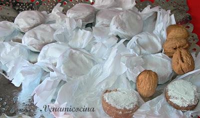 Polvorones de Nueces y Cacao