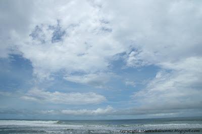 Langit Cerah Pantai Sundak
