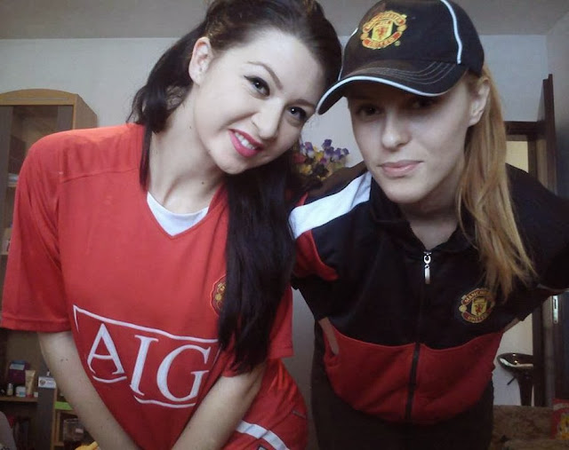 Jasminka and another Manchester United girl