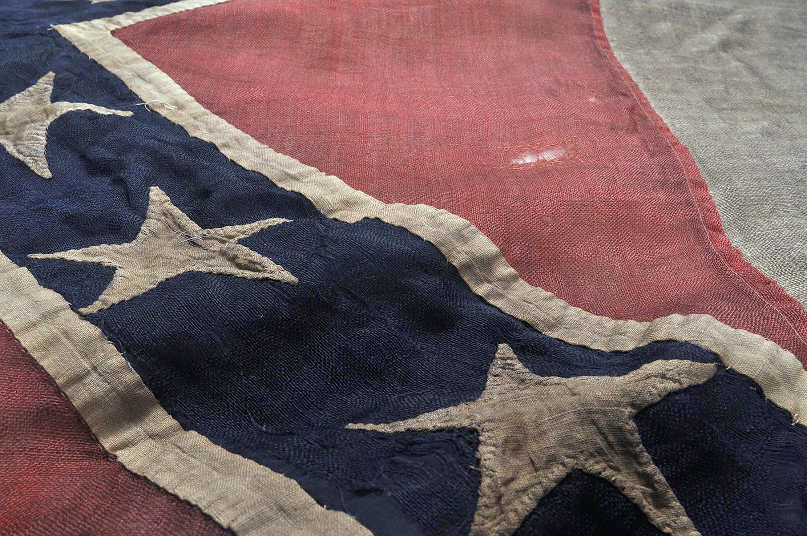 the confederate flag of the css All authorities consulted about this flag concur that this is a genuine confederate  naval flag and was very probably the property of the css.