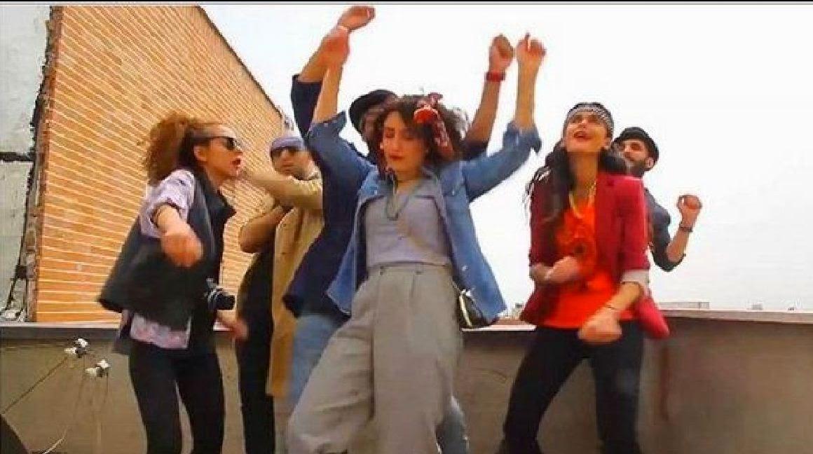 """Arrestan a seis jóvenes en por bailar """"Happy"""""""