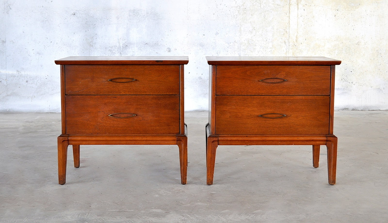 Select modern pair of mid century modern nightstands for Modern nightstands for sale