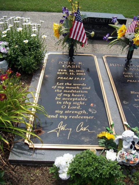 Johnny Cash Open Casket The gravesite of johnny cash