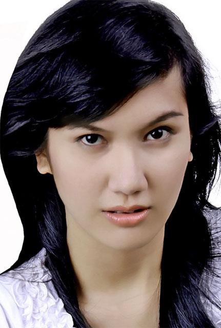 Putri Pariwisata Indonesia 2011 It's Me It's Me : Eva Sianipar ...