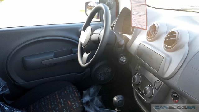 Novo Fiat Uno Vivace 2016 - interior