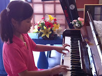 piano lessons singapore picture