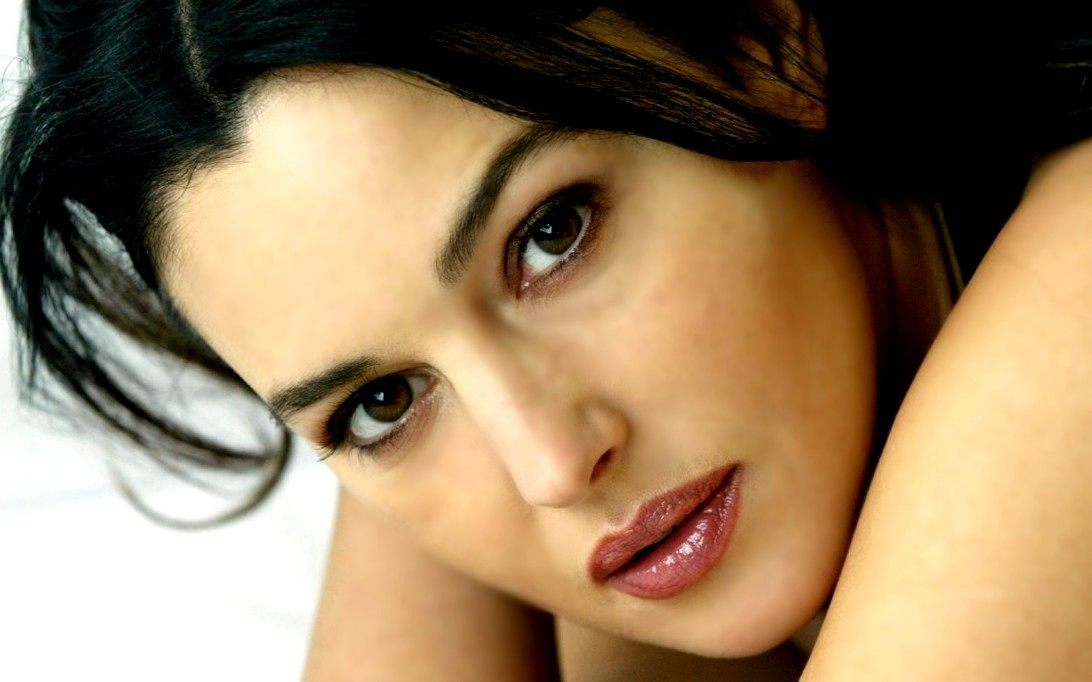Monica Bellucci Wallpaper 1