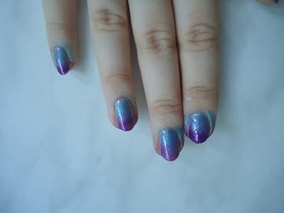 Рисунок на ногтях градиент фото