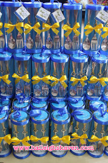 Souvenirs Spoon And Fork Wedding Color Motif Royal Blue Dark Yellow Box Type Special Cylinder Packaging With Engraving None Due To Lack Of Time
