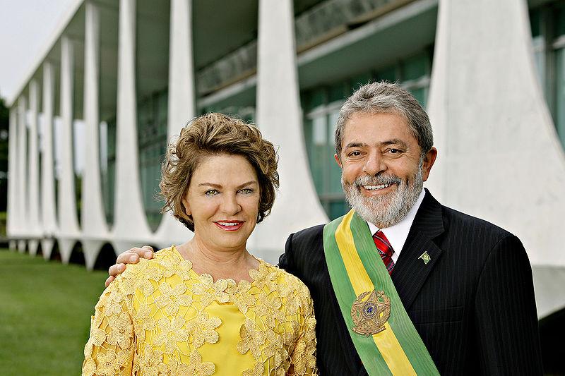 Luiz Inácio Lula da Silva con su esposa, Marisa Letícia.