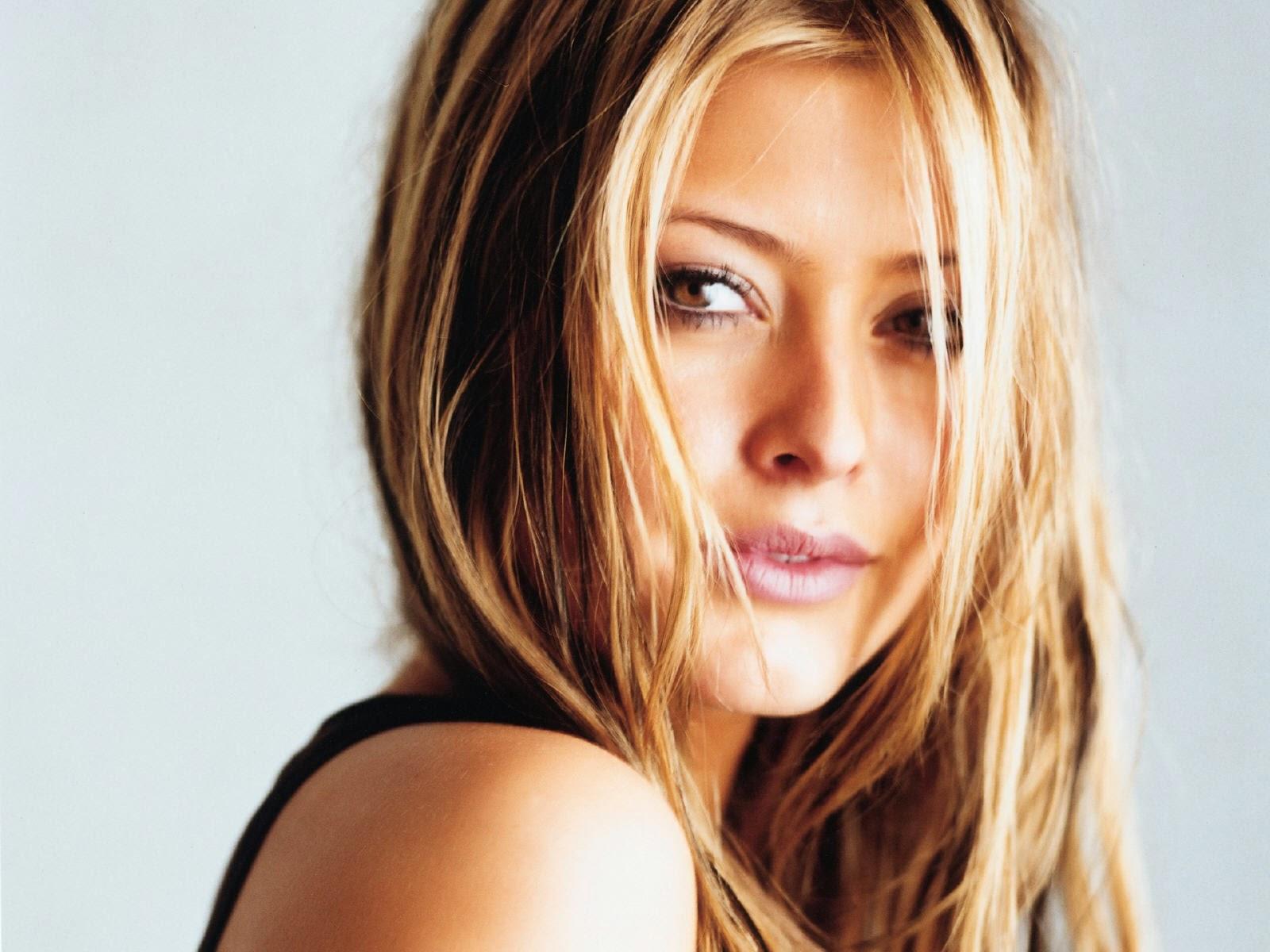 Celebrities in Hot Bikini: Holly Valance - Singer, Actress ...