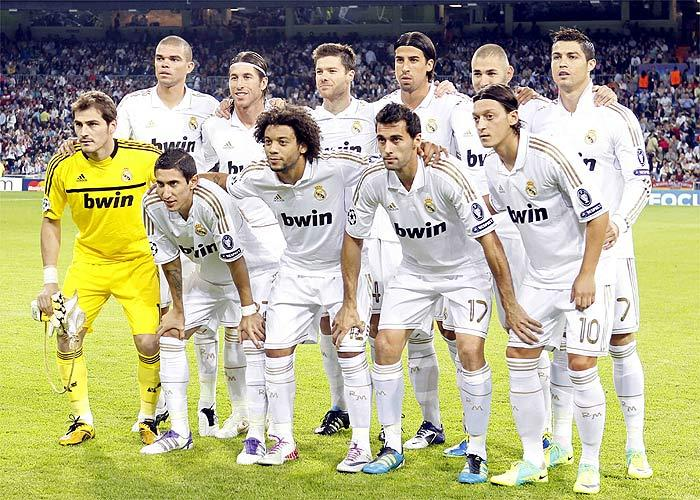 REAL MADRID TEAM PHOTO SEASON 2011   2012