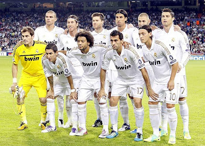 Team photo: Real Madrid CF season 2011-2012