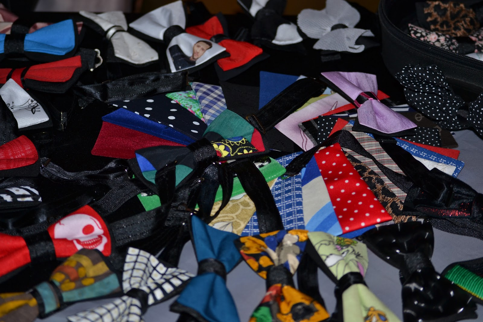 Happy bow ties by dumitru rodica, papioane, Cloud No.9, coffee, http://wheretohavecoffee.blogspot.com