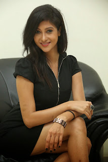 Sindhu Affan sizzling Short Black Gown lovely Hairstyle glam pics