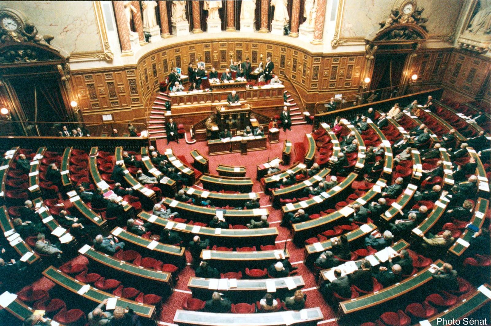 http://education.francetv.fr/videos/politique-mode-d-emploi-le-pouvoir-legislatif-v111005