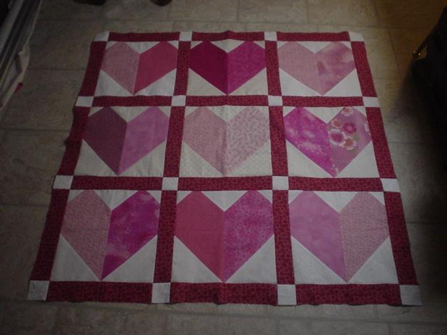Inch Worm Fabrics: Pieced Heart Block Quilt