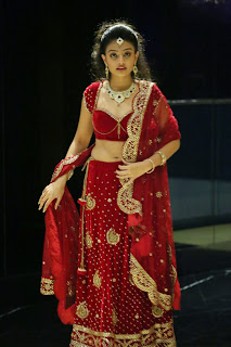 Actress Nikitha Narayan Latest  Pictures in Designer Dress at Fashionology Fashion Show 2013 0056.jpg