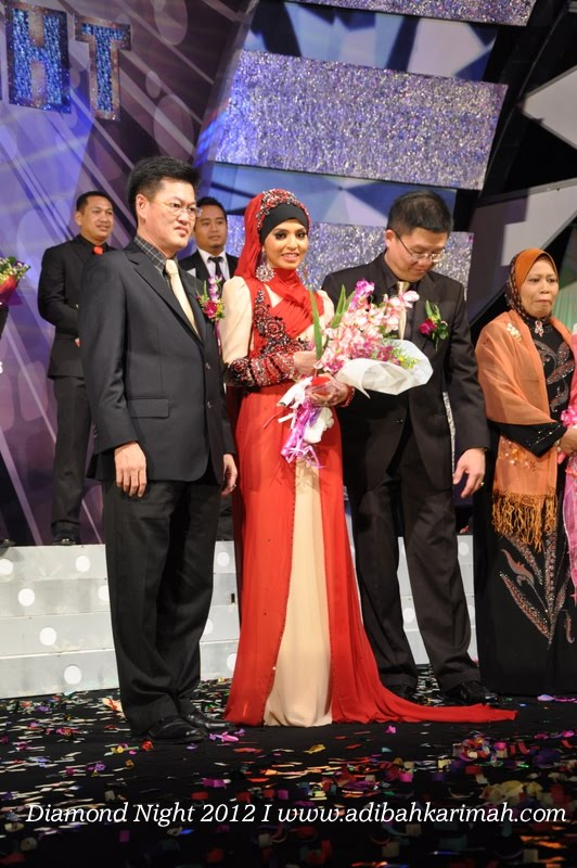 Diamond Night Dinner Award at MIECC for premium beautiful top agents photo with mr teoh
