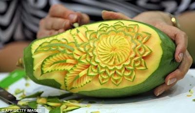 Seni Ukiran Buah Dan Sayur Yang Menarik