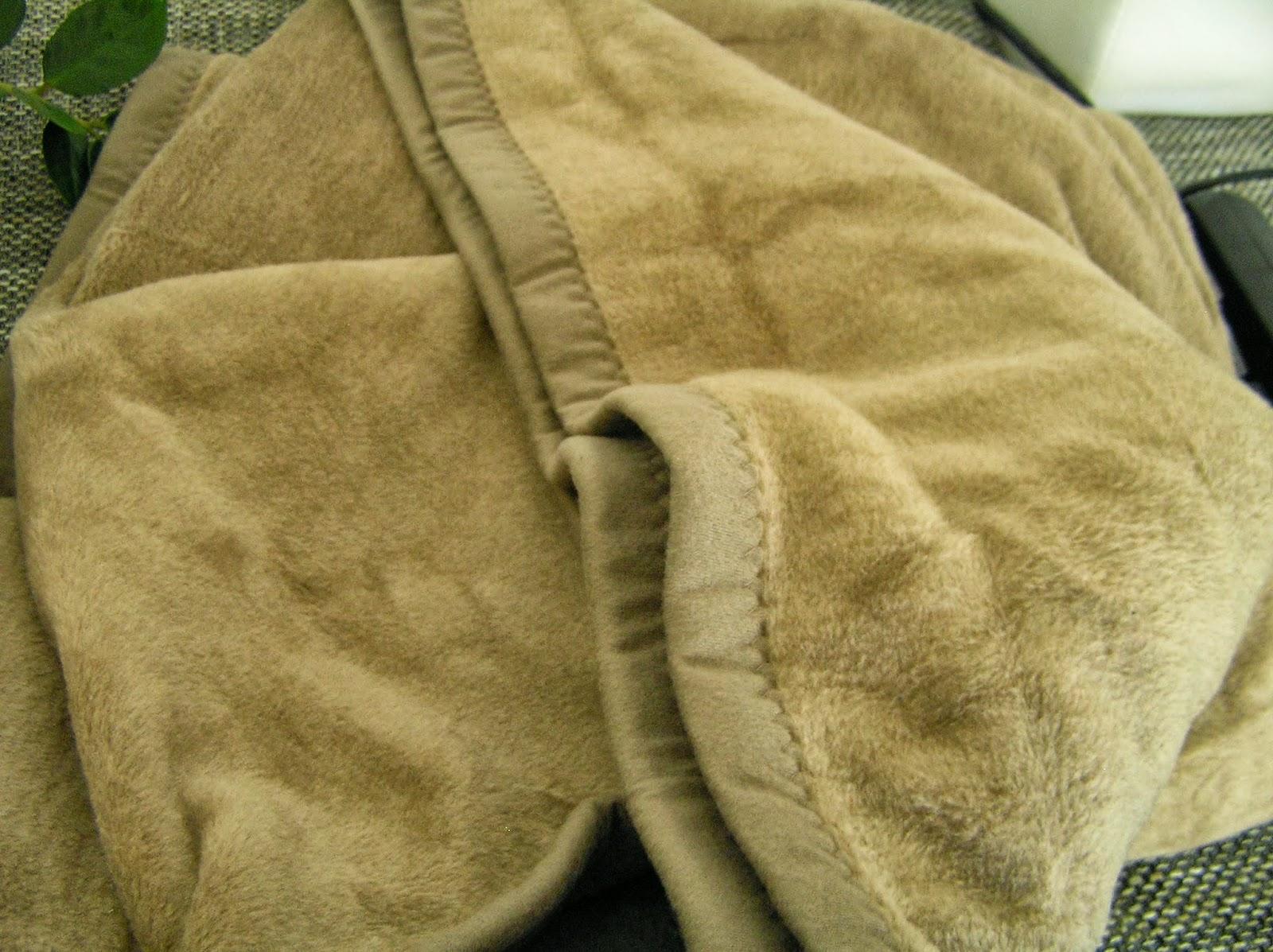 meine neue kuschelige decke f r die kalte jahreszeit. Black Bedroom Furniture Sets. Home Design Ideas
