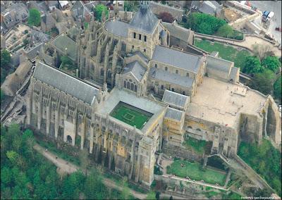[Image: Mont-Saint-Michel-10.jpg]