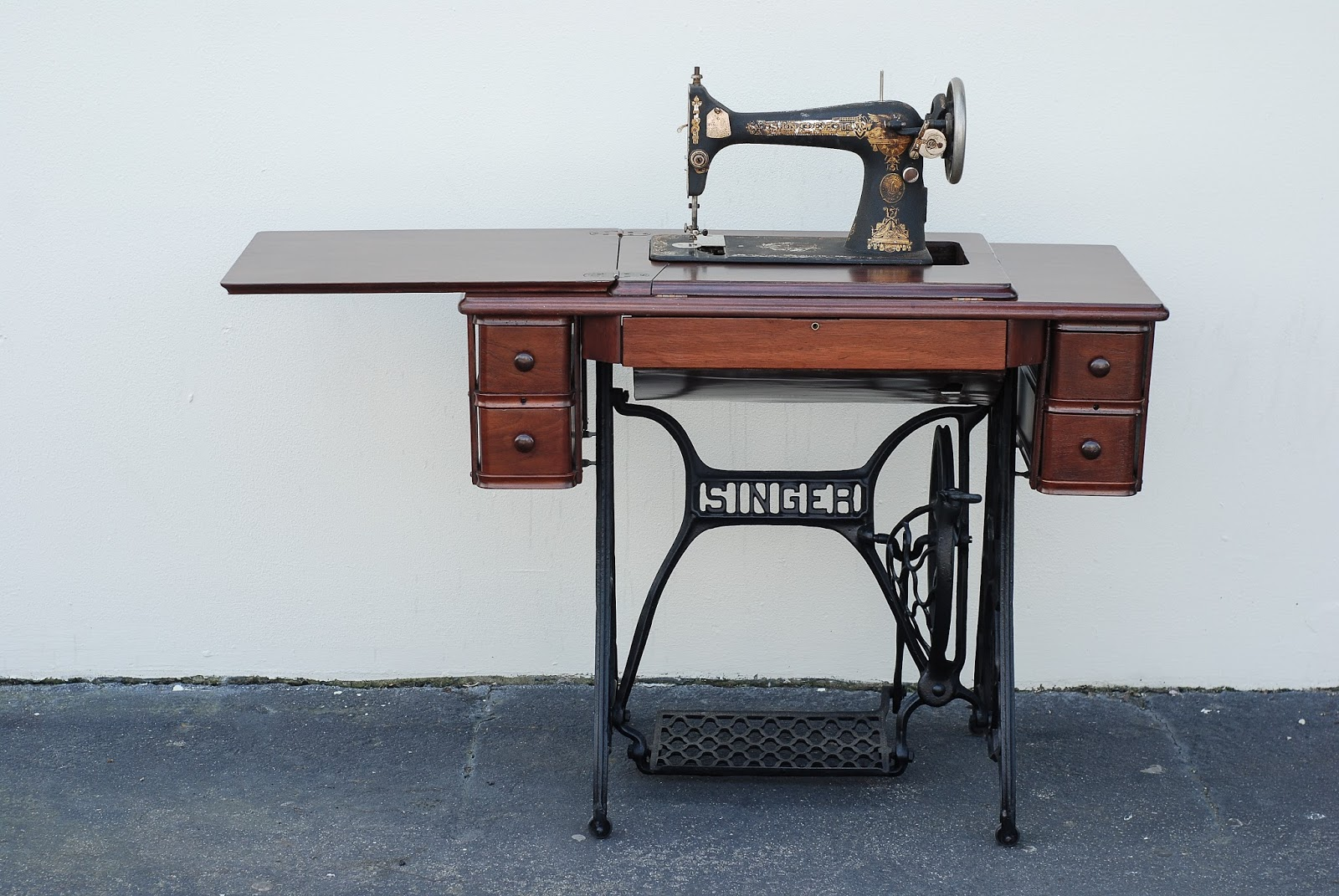 The Furniture Tree 1911 Singer Sewing Machine