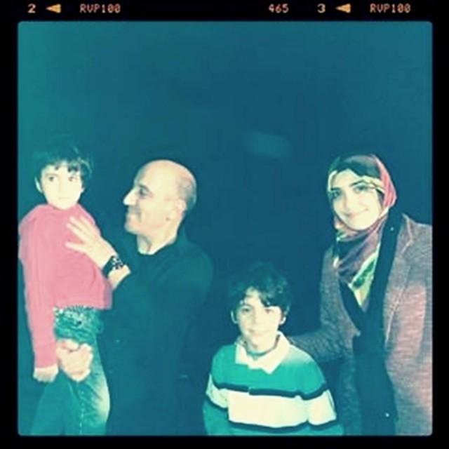 بالصور : حسن الفد كبور مع أسرته الحقيقية