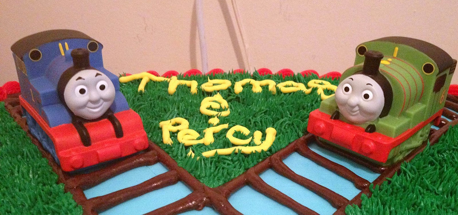 Babycake\'s Bake Shop: Austin\'s Thomas & Friends Cake