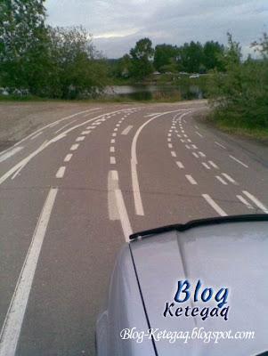 garis jalan raya