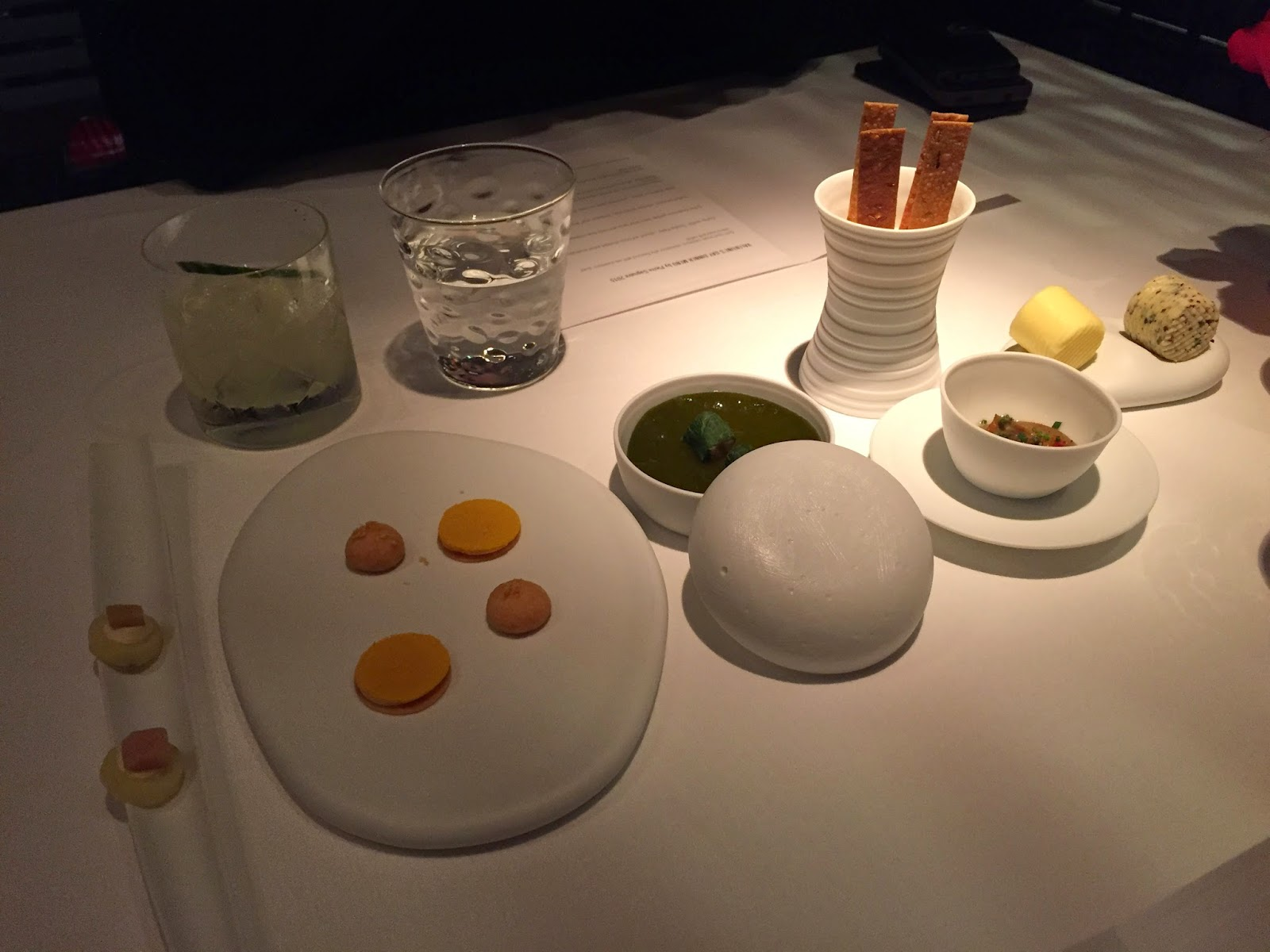 Pierre Mandarin Oriental Hong Kong restaurant french michelin star amuse bouche
