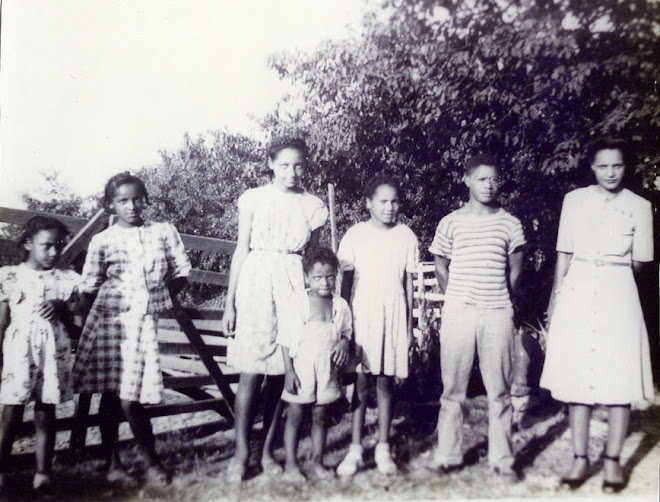 Renie,  Cora, Florence, Ray (deceased) Mary, Willie, and Daisy Shelton