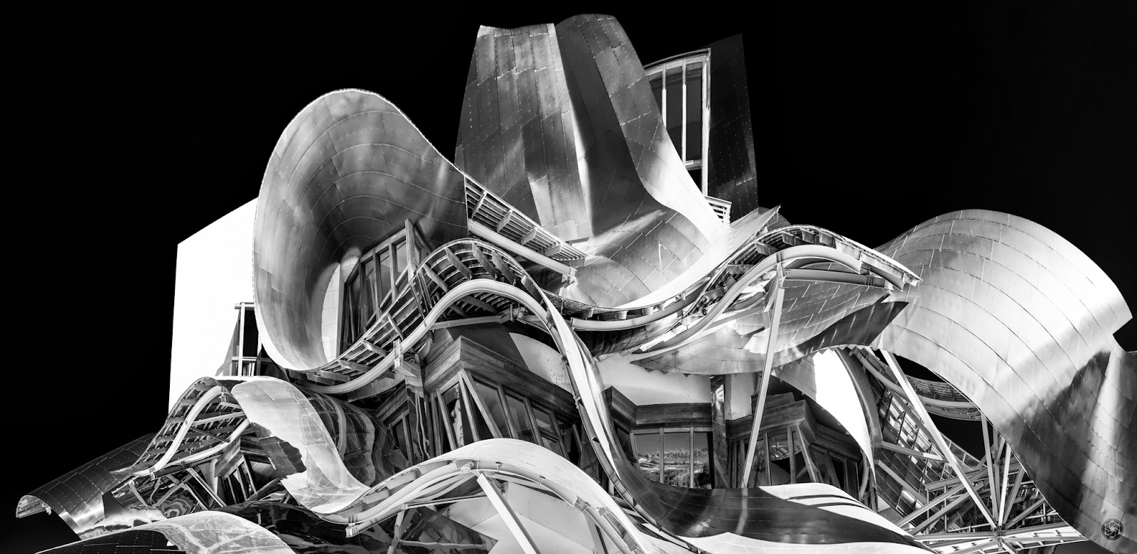 Esencia de Gehry :: Panorámica 7 x Canon EOS 5D MkIII | ISO100 | Canon 17-40 @40mm | f/7.1 | 1/100s