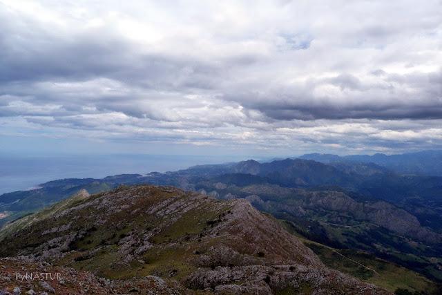 Costa de Ribadesella desde el Pico Pienzu - Asturias