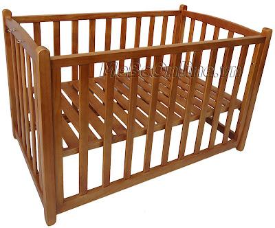 Nôi gỗ Vinanoi Vnn301m với tính năng làm giường cho trẻ sơ sinh khi tách riêng.