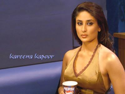 kareena kapoor showing boobs