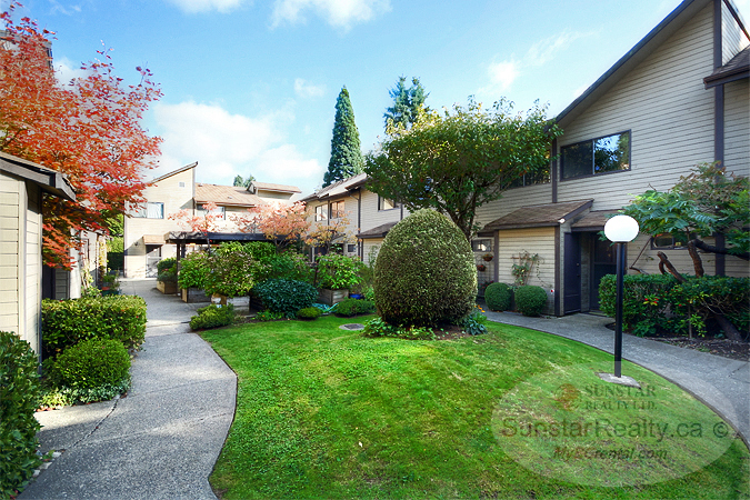 Completely Renovated 2 Bedroom Townhouse @ Cambie Square